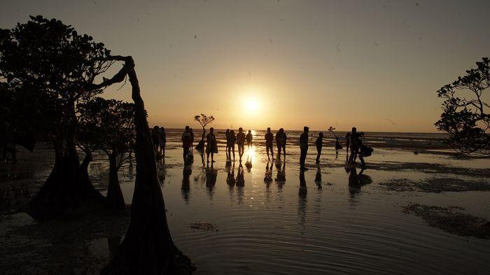 Dibuat Jatuh Cinta oleh Pesona Pantai Walakiri Sumba