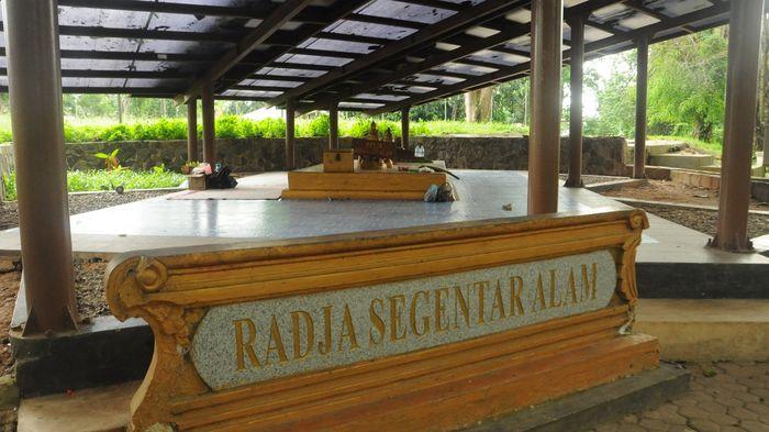 Menjejaki Peninggalan Kerajaan Sriwijaya di Bukit Siguntang