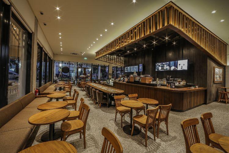 Sentuhan Khas NTT di Gerai Starbucks Labuan Bajo