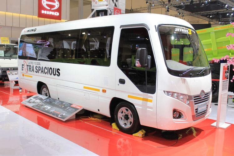 Hino pamerkan microbus baru di GIIAS 2019