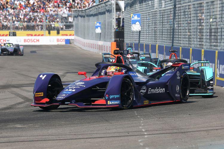 Pebalap Tim Virgin Racing yang dibayangi Robin Frijns berkompetisi di New York E-Prix Formula E Musim 5 pada 13 Juli 2019 di New York, AS. Raksasa cybersecurity Kaspersky menjadi sponsor resmi tim Envision Virgin Racing untuk tahun kedua berturut-turut.
