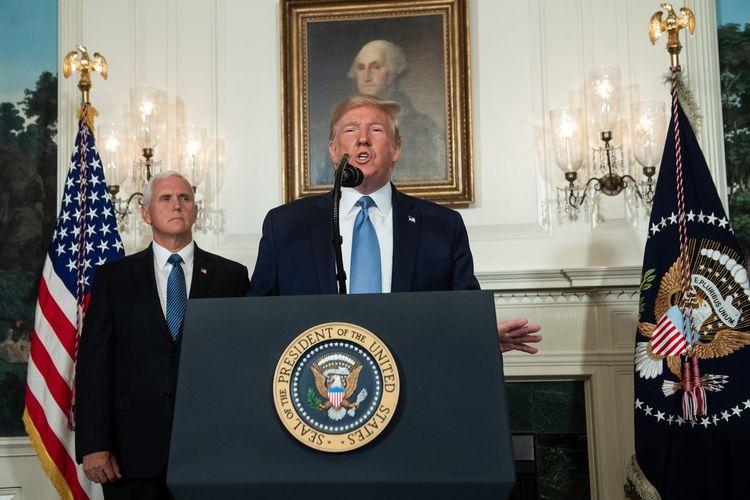 Presiden Amerika Serikat (AS) Donald Trump didampingi Wakil Presiden Mike Pence berpidato di Washington Senin (5/8/2019) terkait dua penembakan massal yang terakhir akhir pekan lalu yang menewaskan 31 orang.