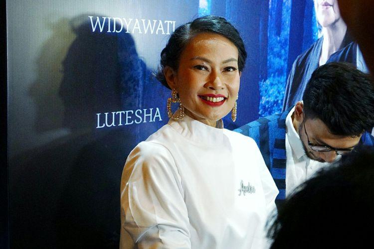 Artis peran Endhita Wibisono saat ditemui di gala premiere film Ambu di Plaza Senayan, Jakarta Pusat, Selasa (2/5/2019).