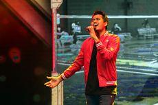 Tontowi Ahmad Mendadak Jadi Vokalis Band