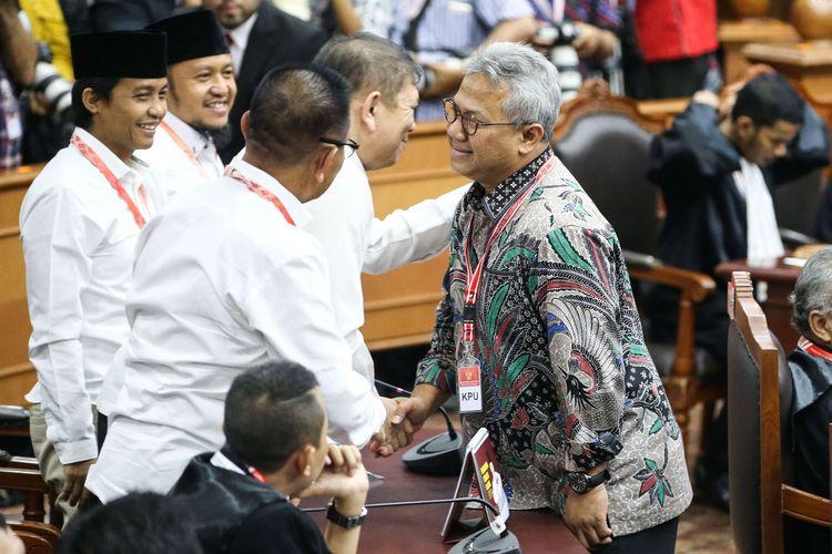 Ketua KPU Arief Budiman hadir dalam sidang perdana sengketa pilpres 2019 di Gedung Mahkamah Konstitusi, Jakarta, Jumat (14/6/2019).