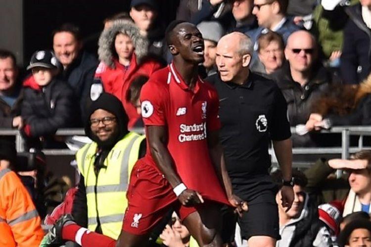 Sadio Mane merayakan golnya pada pertandingan Fulham vs Liverpool di Stadion Craven Cottage dalam lanjutan Liga Inggris, 17 Maret 2019.