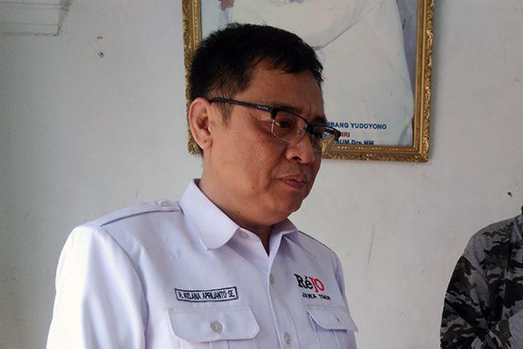 Ketua Relawan Jokowi (Rejo) Jawa Timur, Kelana Aprilianto (kiri).