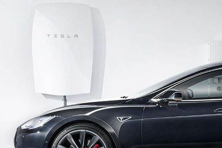 Baterai dinding dari Tesla punya kemampuan menyimpan dan mengeluarkan negara 7-10 kWh.