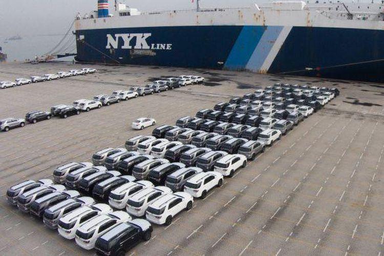 Aktivitas ekspor TMMIN di Pelabuhan Tanjung Priuk