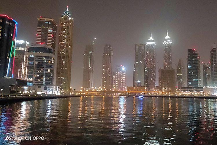 Keindahan Dubai Canal di malam hari, diambil dengan fitur Night Mode OPPO R17 Pro