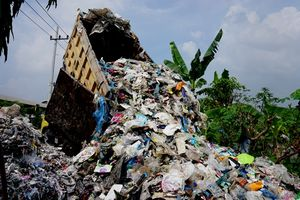 Indonesia Kembalikan 5 Kontainer Sampah ke AS