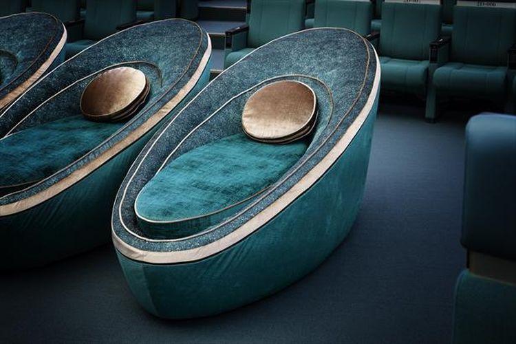 Galaxy Seat Single yang terlihat sangat nyaman untuk tidur.