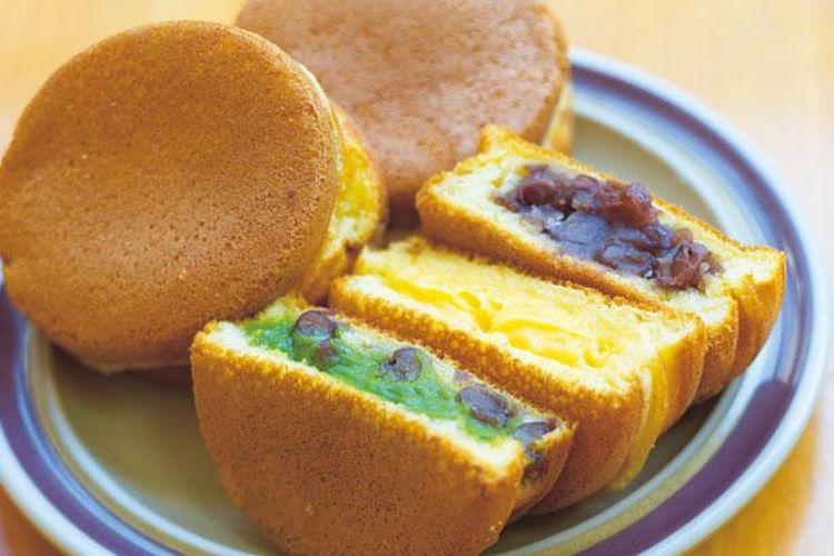 Imagawa-yaki in Matcha Cream (¥100), Cream (¥90), and Red Bean An (¥90)