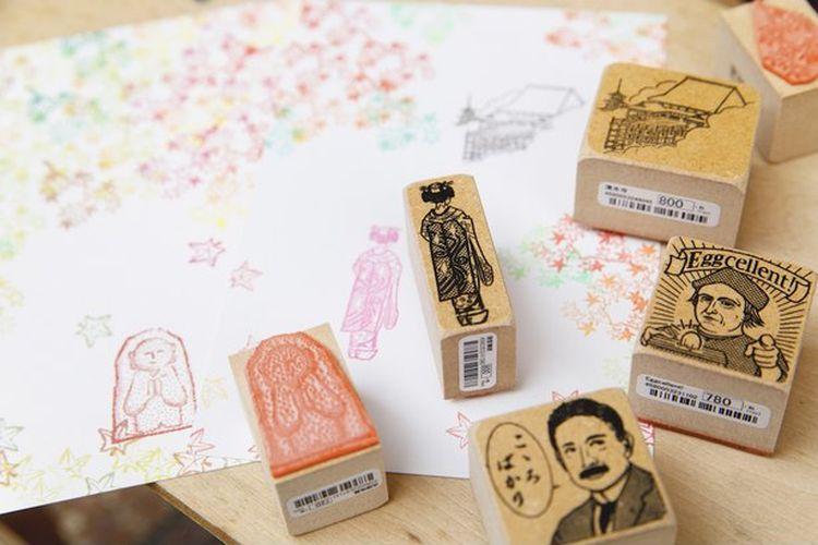 Tamaru Inbou merupakan sebuah toko yang menjual alat stempel pribadi. Alat stempel khas Jepang ini diukir secara manual oleh seniman lokal.