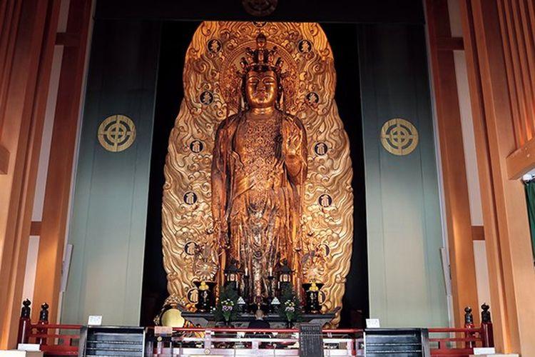 Honzon (gambar utama Buddha) ini disebut Juichimen Kannon (Kannnon yang berwajah sebelas).