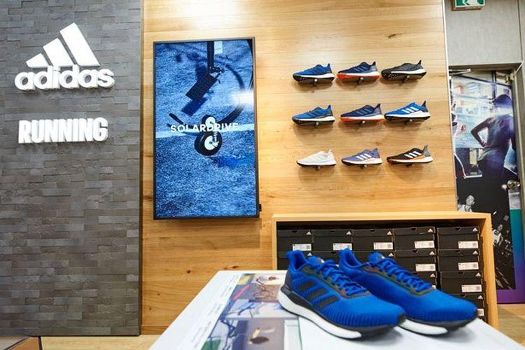 Kios Adidas baru ini menyediakan sepatu bagi pelari pemula hingga profesional.