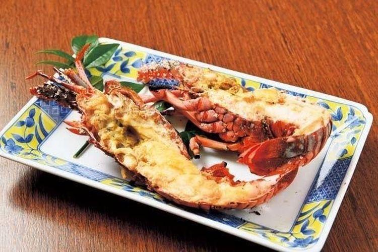 Lobster Ise Panggang (mulai dari 2.500 yen, tersedia sepanjang tahun).