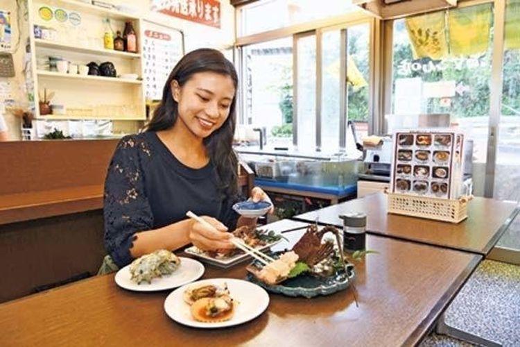 Jangan sia-siakan kesempatan untuk menikmati hidangan laut panggang yang segar.