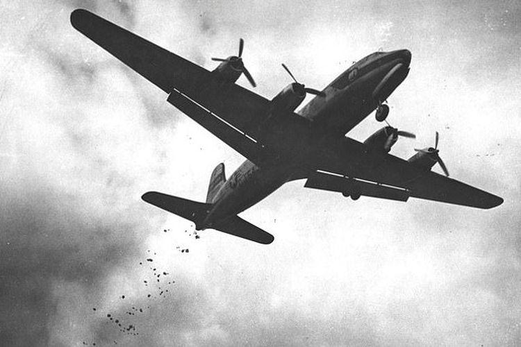 Pesawat Gail Halvorsen