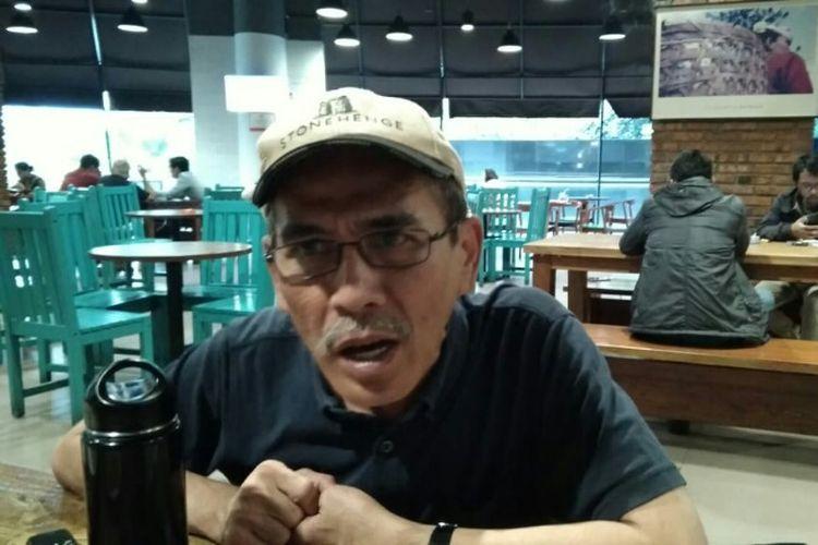 Pengamat ekonomi sekaligus mantan Komisioner KPPU Faisal Basri saat diskusi dengan media di Jakarta, Senin (25/6/2018).