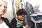 Tidak Dapat Kursi, Keluarga asal Inggris Ini Duduk di Lantai Pesawat
