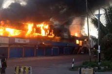 Pasar Tingkat Sanggeng Manokwari Terbakar