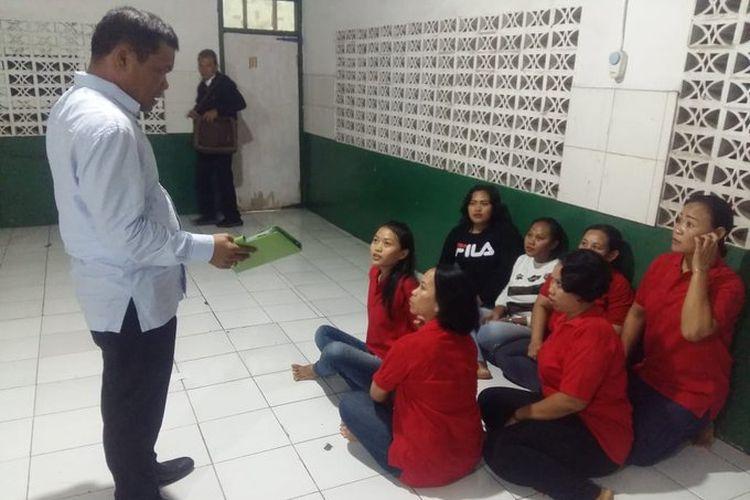 Kementerian Ketenagakerjaan (Kemnaker) mendapati pekerja migran Indonesia ilegal saat inspeksi mendadak (sidak) di Perusahaan Penempatan Pekerja Migran Indonesia (P3MI) PT. ASR, di Jalan Batu Sari II No. 74 Condet, Jakarta Timur pada Selasa (30/4/2019).