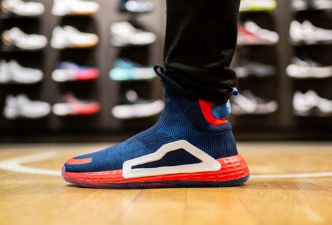 Lebih Dekat dengan Adidas N3XT L3V3L Captain America