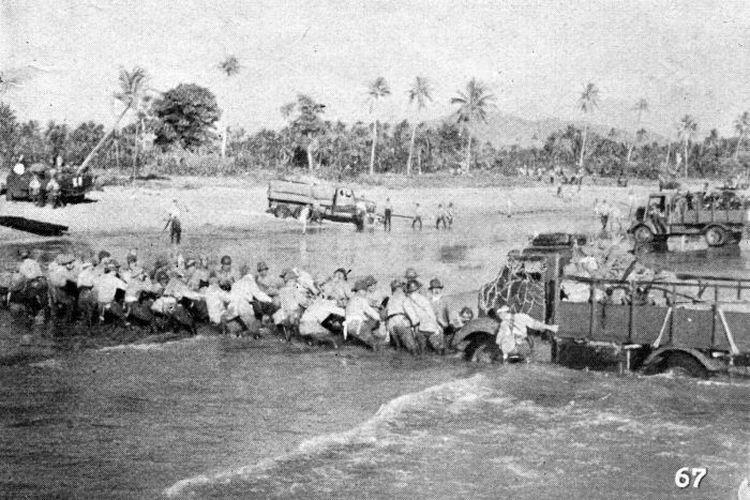 Pendaratan tentara Jepang di Jawa.
