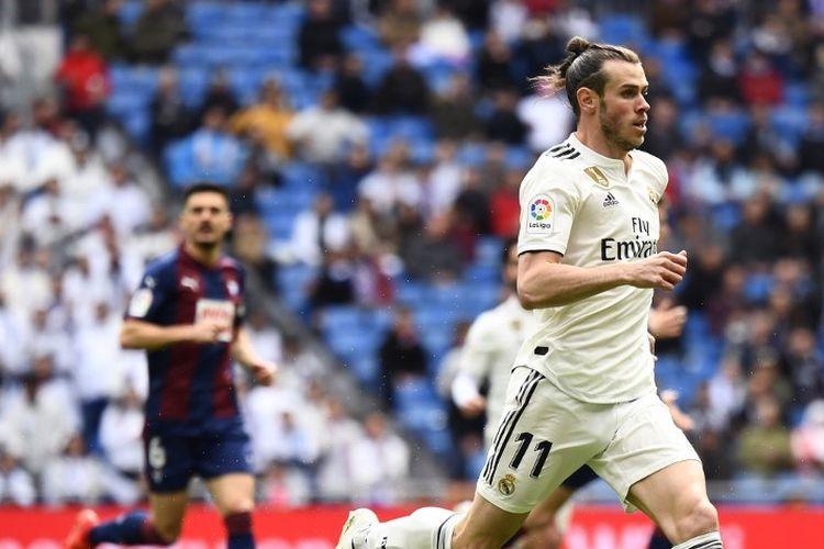Gareth Bale tengah berlari pada pertandingan Real Madrid vs Eibar dalam lanjutan La Liga Spanyol di Stadion Santiago Bernabeu, 6 April 2019.