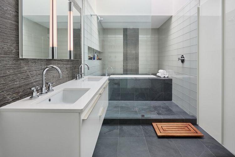 Ilustrasi kamar mandi dengan keset kayu
