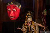 Tari Topeng Losari dari Surakarta, Menari dengan Mata Tertutup