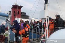 Kapal Berpenumpang dari Merak Menuju Bakauheni Kandas di Pulau Rimau