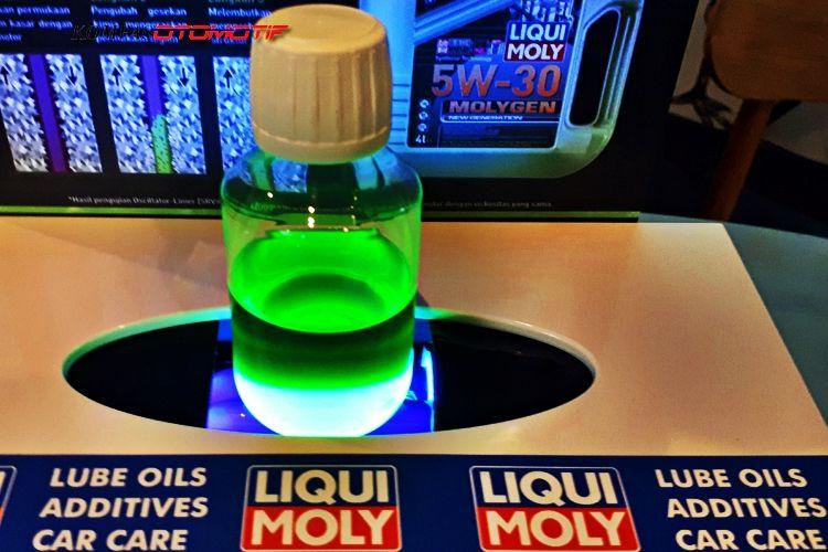 Molygen New Generation 5W30 bisa menyala dalam ruang mesin