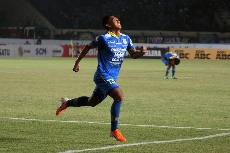 Pemain Persib Bandung, Febri Hariyadi, merayakan gol ke gawang Kalteng Putra FC, di Stadion Si Jalak Harupat, Kabupaten Bandung, Selasa (16/7/2019) lalu.