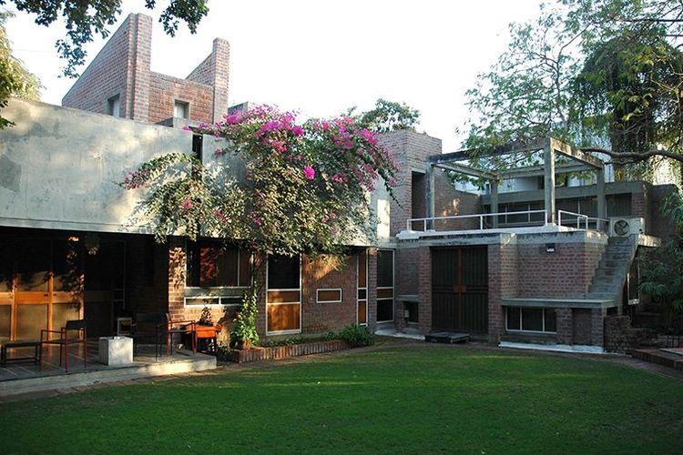 Rumah Kamala karya arsitek Balkrishna Doshi.