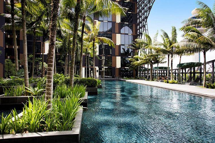 Kolam renang Crowne Hotel Changi Airport