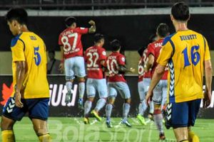 Gol Spektakuler Fadil Sausu Kalahkan Martial dan Di Maria