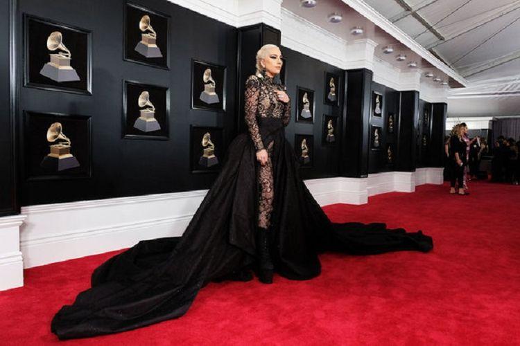 Lady Gaga menghadiri Grammy Awards ke-57 di Staples Center di Los Angeles, AS, pada 8 Februari 2015.