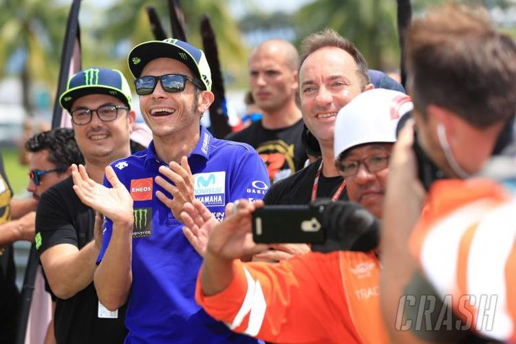 Valentino Rosi bahagia akan kemenangan timnya di Moto2 GP Malaysia.