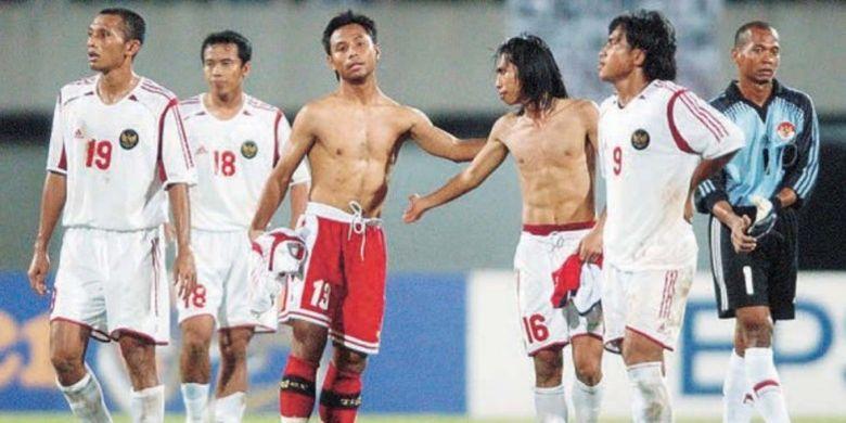 Para pemain timnas Indonesia yang tampil di Piala Tiger 2004.