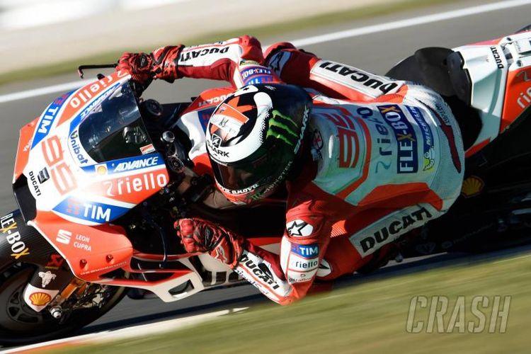 Pebalap Ducati Jorge Lorenzo menjadi yang tercepat saat sesi latihan bebas kedua atau free practice 2 GP Valencia di Sirkuti Ricardo Tormo, Jumat (10/11/2017).