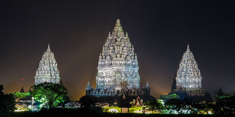 Candi Prambanan sebagai salah satu tempat ibadah umat Hindu.