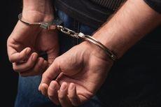 Pria Ini Diciduk karena Bawa Pedang di Depan Kantor Polisi