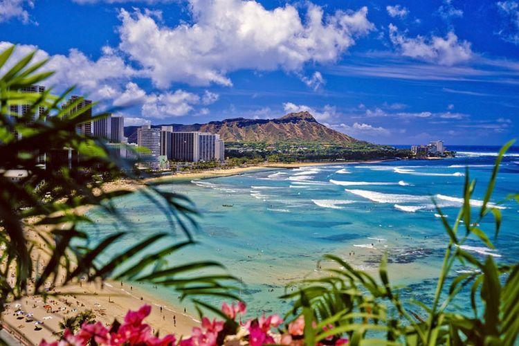 Hawaii yang memang sudah terkenal sebagai tempat bulan madu paling populer di dunia.
