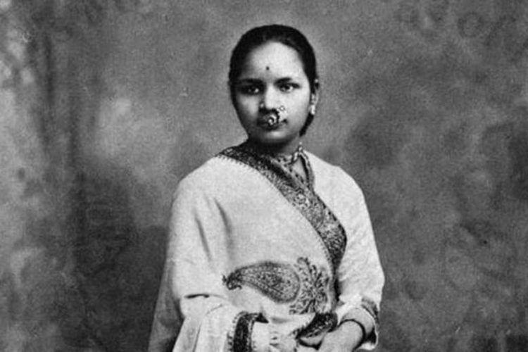 Anandi Gopal Joshi, perempuan dokter pertama di India. Dia lulus dari sekolah kedokteran di Amerika Serikat pada 1885. (The Indian Express)