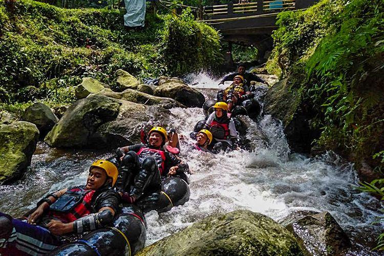 Serunya river tubing di Kalipringkuning, Karanganyar.