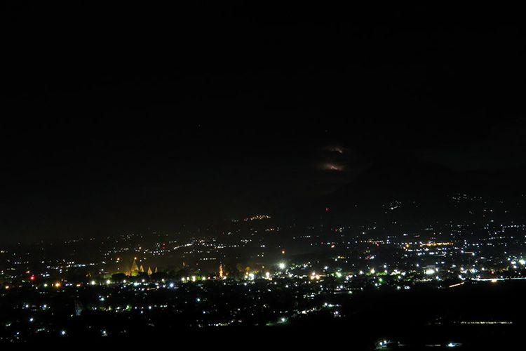 Panorama malam di Spot Riyadi.