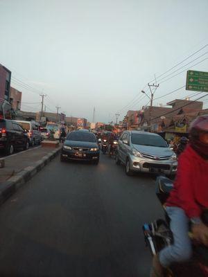 Kemacetan di jalur arteri Indramayu-Cikampek, Minggu (9/6/2019).