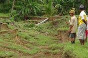 Sejumlah Rumah Warga di Trenggalek Hancur akibat Tanah Retak